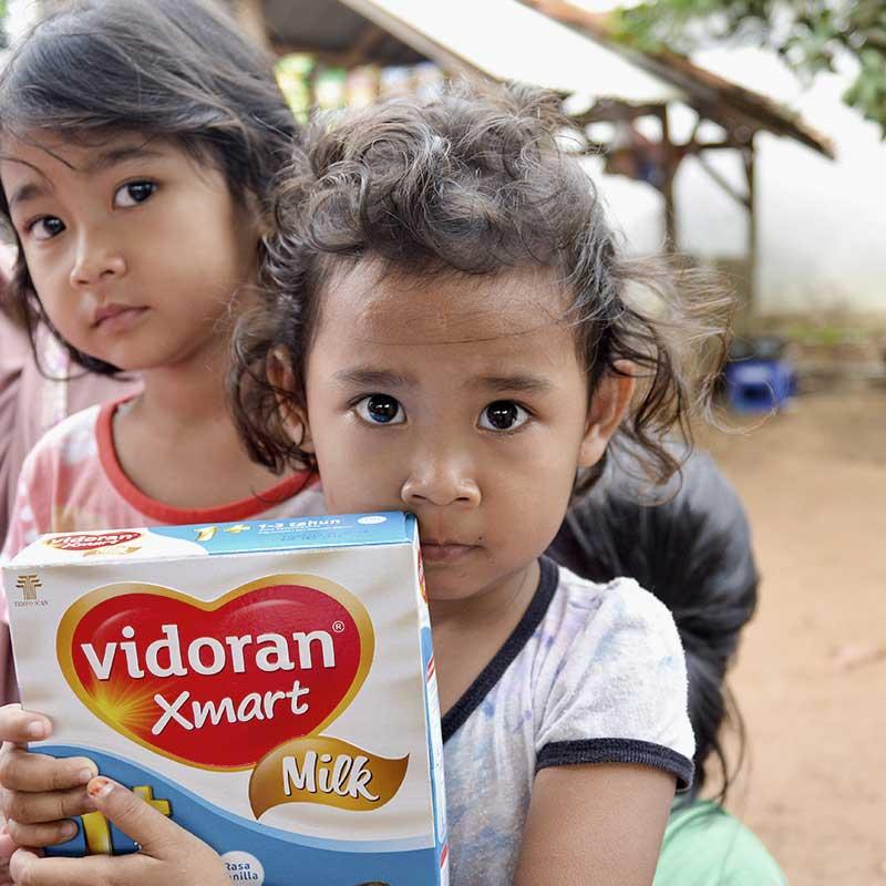 Indonesia Tersenyum, Salurkan Bantuan untuk Anak Para TKI